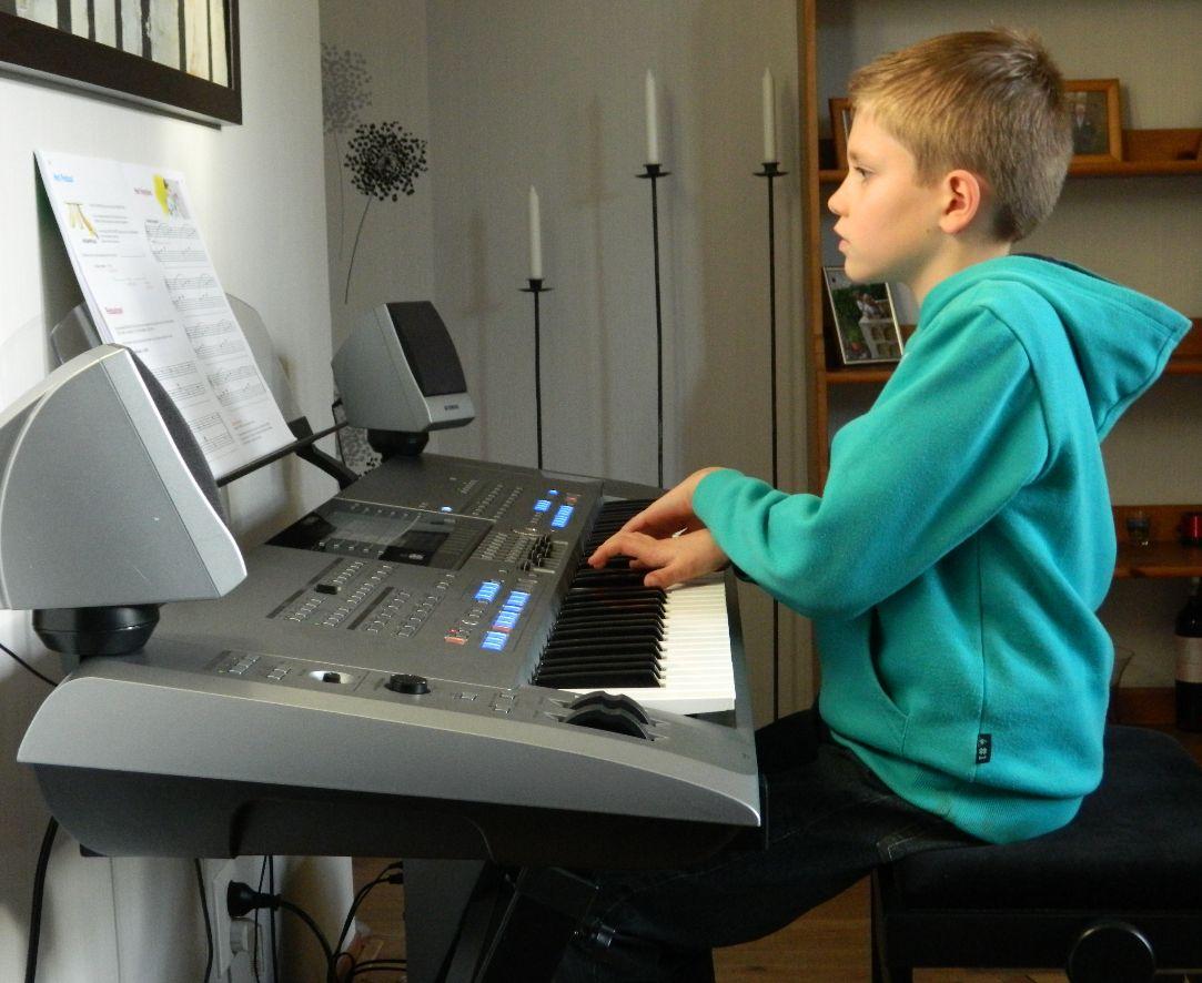 Pianoles voor Tim in Doetinchem